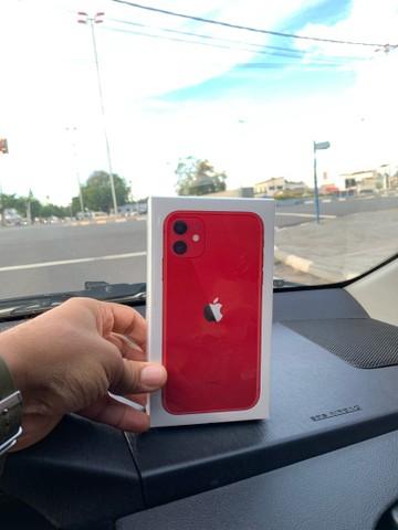 iPhone na caixa à venda